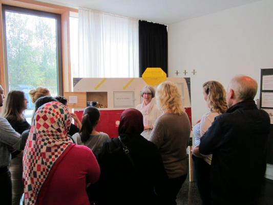 Freiwillige und Geflüchtete im Freiwilligenzentrum Nord