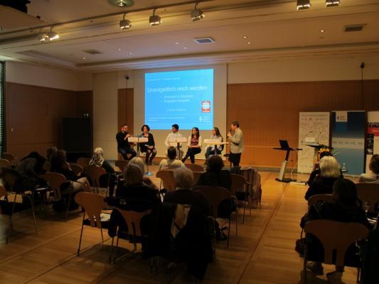 Podiumsdiskussin zum Thema Integration an der Hanns-Seidel-Stiftung München